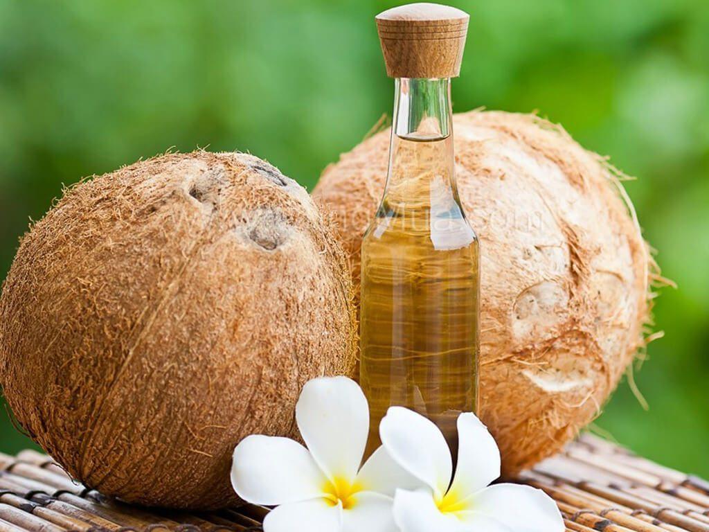 Dầu dừa cũng là nguyên liệu trị rạn da hiệu quả, an toàn