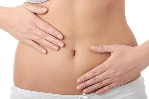 Cách mát xa giảm mỡ bụng sau sinh bằng rượu gừng nghệ