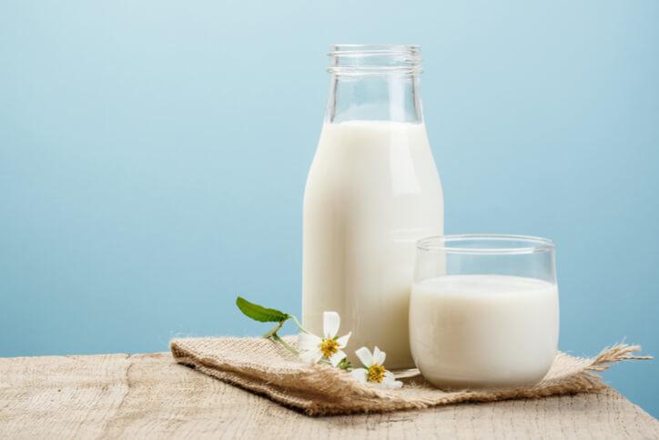 Sữa tươi cũng là cách trị rạn da sau sinh hiệu quả