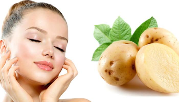 Trị mụn đầu đen hiệu quả bằng lát hoặc nước ép khoai tây