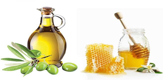 Lựa chọn loại dầu ô liu phù hợp với cơ địa của mình rồi sau đó đem trộn tiếp với mật ong. Tất cả thoa đều lên mặt
