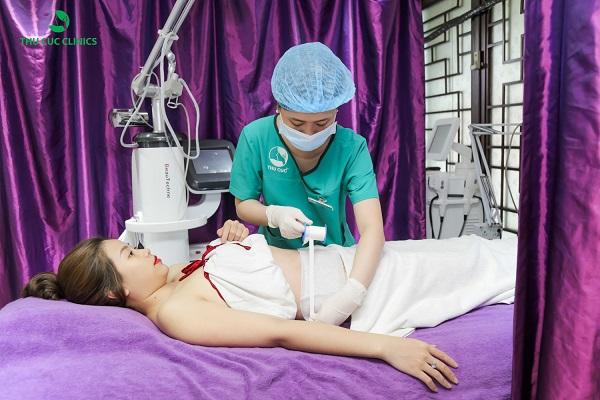 Để trị rạn da hiệu quả hơn, các chị em nên sớm tìm tới các biện pháp bằng công nghệ cao. Trong đó, công nghệ Laser Co2 Fractional có thể nhanh chóng giúp chị em khắc phục hiệu quả tình trạng này