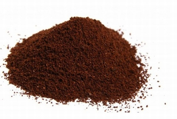 Chất caffeine có trong cà phê đóng vai trò kích thích quá trình lưu thông mạch máu, giúp da căng mịn, săn chắc.