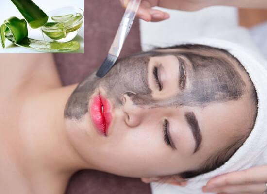 Detox da phòng mụn bằng mặt nạ than hoạt tính và nha đam