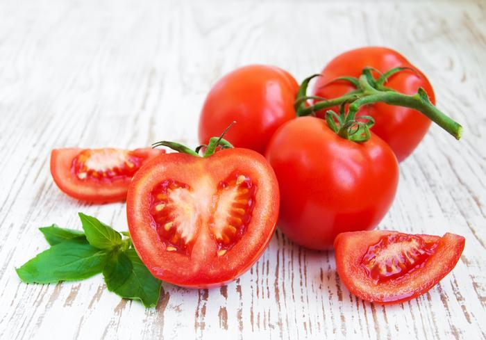 Hướng dẫn cách trị mụn trứng cá hiệu quả từ cà chua