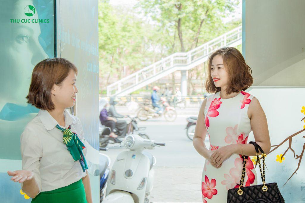 Rất đông khách hàng đã tới Thu Cúc Clinics để trị rạn da