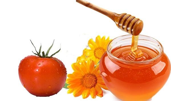 Mặt nạ cà chua kết hợp mật ong có tác dụng làm mềm lông, ngăn chặn quá trình mọc lông diễn ra chậm hơn.