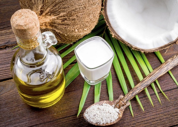 Bí quyết dễ dàng để triệt lông tiết kiệm từ dầu dừa được các chị em áp dụng rất phổ biến ngay tại nhà.