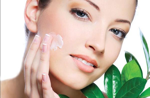 Mặt nạ kem đánh răng giúp loại bỏ mụn đầu đen đồng thời nuôi dưỡng làn da tươi sáng, mịn màng.