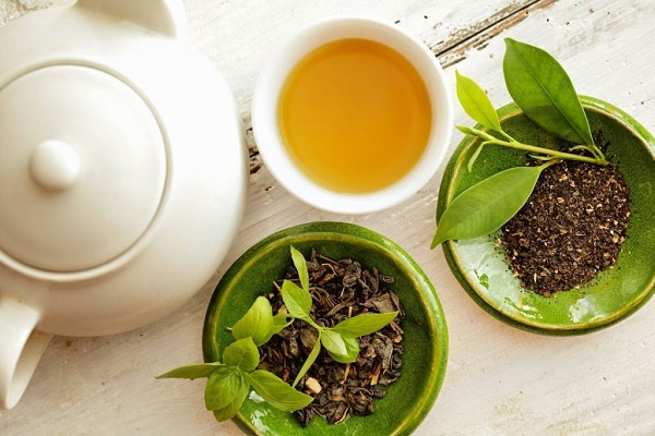 Kết hợp trà xanh với một số nguyên liệu khác sẽ giúp điều trị tàn nhang rất hiệuquả.