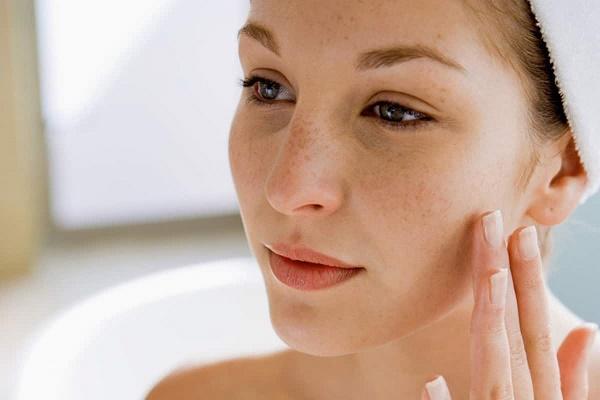 Mặt nạ từ tỏi điều trị nám tàn nhang an toàn, nhanh chóng mà không gây tổn thương cho làn da.