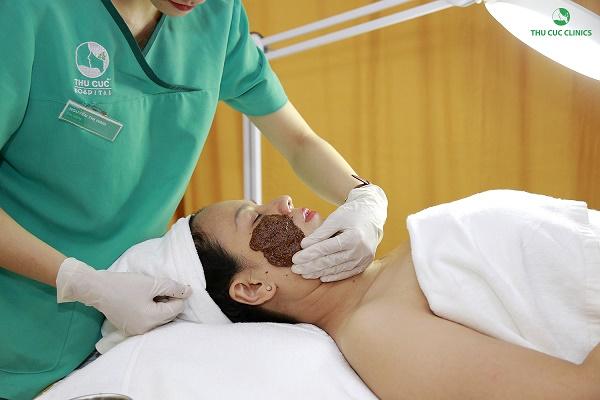 Thu Cúc Clinics đang ứng dụng phương pháp trị nám da bằng công nghệ Laser Iris.