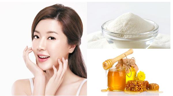 Kết hợp bột gạo với mật ong sẽ tạo nên mặt nạ trị tàn nhang tại nhà được nhiều chị em sử dụng.