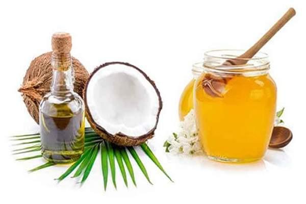Trị tàn nhang hiệu quả bằng dầu dừa, mật ong được các chị em áp dụng rất phổ biến tại nhà.