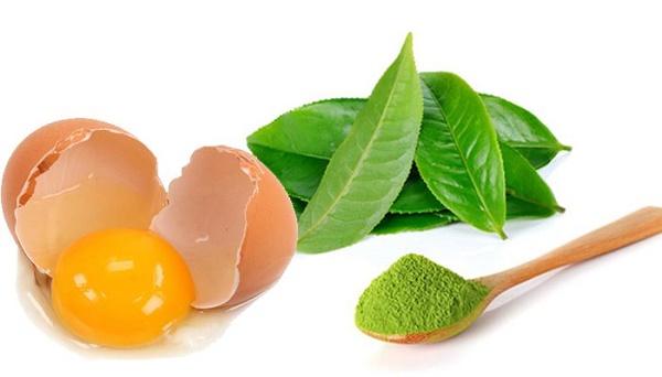 Mặt nạ trà xanh và trứng gà giúp thu nhỏ lỗ chân lông, cho làn da của bạn được mềm mịn và khô thoáng hơn.