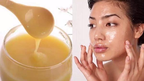 Cách trị tàn nhang bằng sữa ong chúa nguyên chất được các chị em áp dụng rất phổ biến.