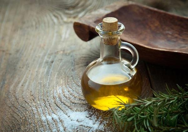 Mặt nạ từ dầu thầu dầu giúp loại bỏ vết rạn da nhanh chóng mà không gây tổn thương cho làn da.