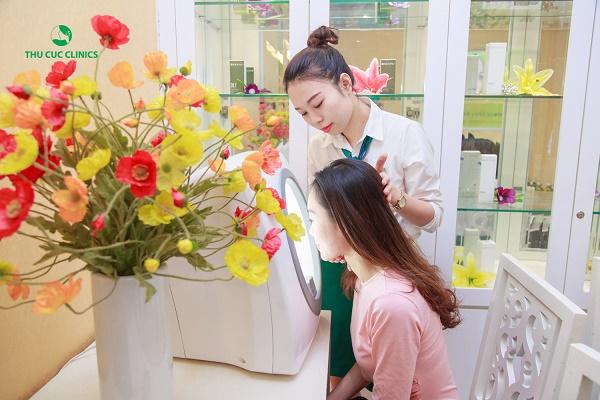 Quy trình trị mụn Blue Light tại Thu Cúc Clinics được thực hiện với quy trình khoa học, nhanh chóng.