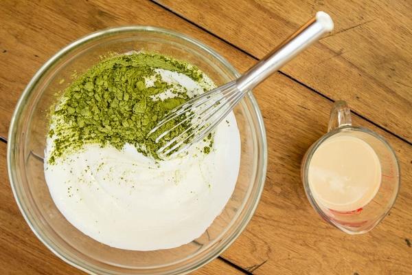 Sử dụng trà xanh và sữa tươi giúp loại bỏ nám da hiệu quả, đồng thời dưỡng da sáng mịn tự nhiên.