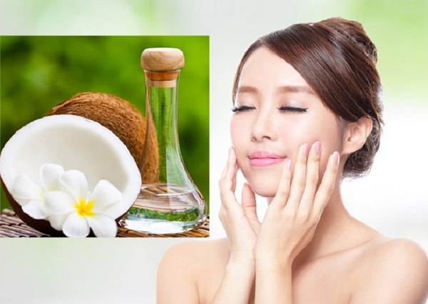 Sử dụng dầu dừa giúp làm mờ vết nhăn, lại rất an toàn cho làn da vùng mắt mà không gây kích ứng.