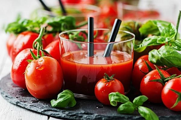 Mặt nạ cà chua rất an toàn nên có thể áp dụng cho mọi loại da mà không gây kích ứng làn da.