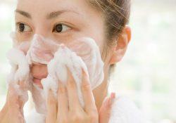 Chọn sữa rửa mặt làm trắng da mặt phù hợp với từng làn da