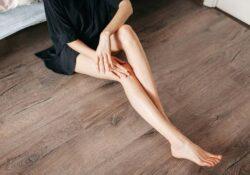 Những cách làm trắng da đầu gối khuỷu tay dễ làm
