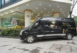 """Hệ thống thẩm mỹ Thu Cúc đưa đón khách làm đẹp bằng """"xế sang"""" Limousine sạch khuẩn"""