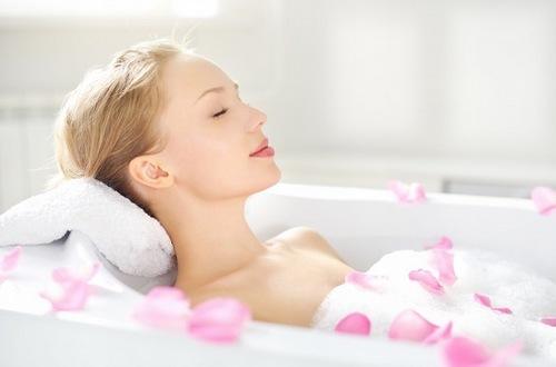 Tắm trắng tại nhà là phương pháp đơn giản dễ thực hiện
