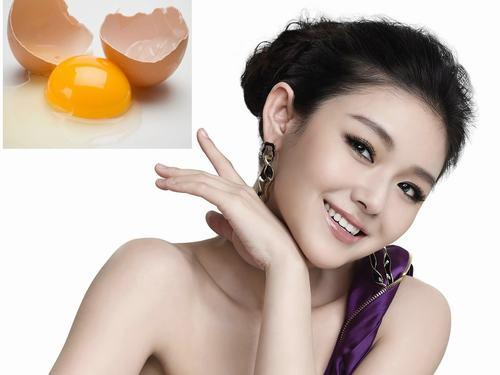 Làm đẹp từ trứng gà là bí quyết đã có từ rất lâu đời trong dân gian.